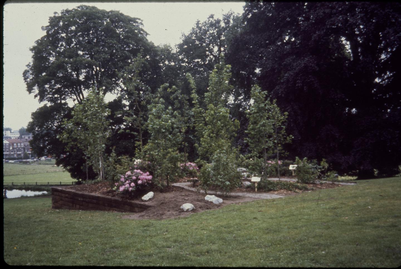 Tom Burr, An American Garden, 1993. Courtesy: the artist and Bortolami Gallery, New York
