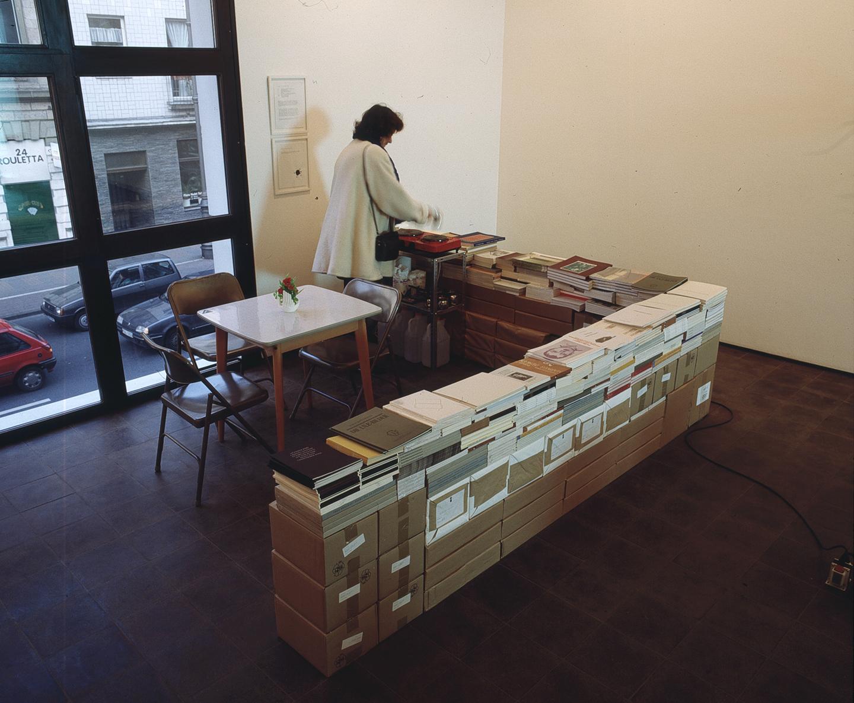 Rirkrit Tiravanija, Untitled 1993 (Cafe Deutschland), installation view at Galerie Max Hetzler, Köln, 1993.