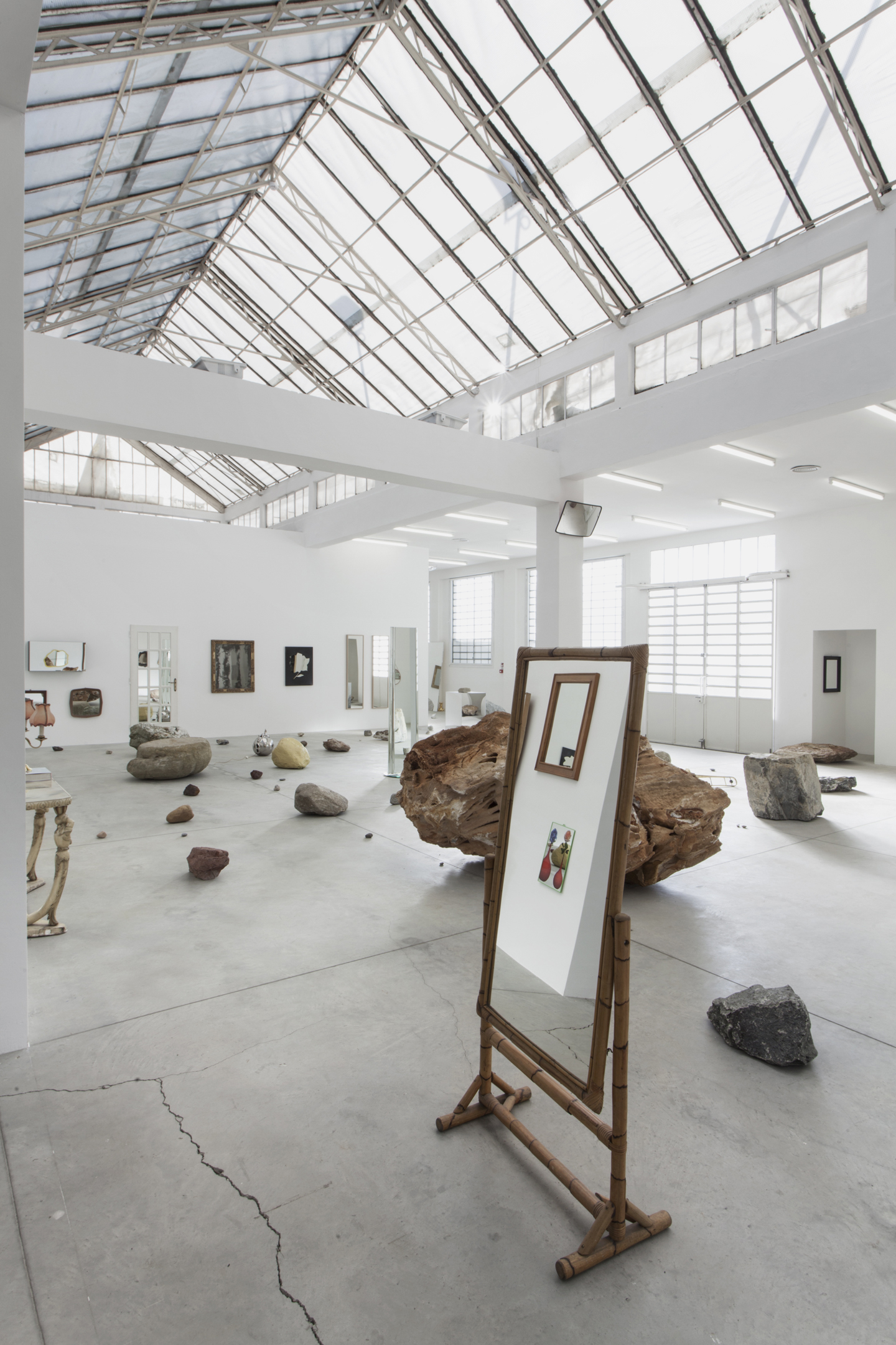 Darren Bader, Rocks And Mirrors Installation View At Galleria Franco Noero,  Turin, 2015. Courtesy: The Artist And Galleria Franco Noero, Turin.