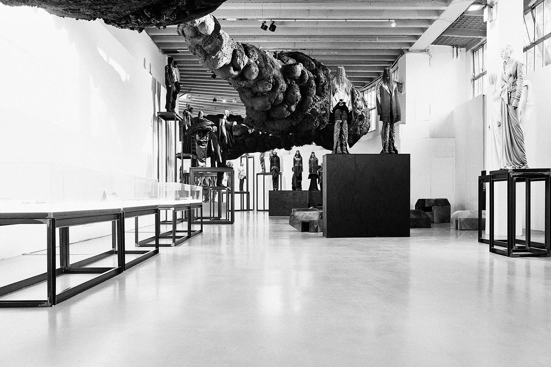 Rick Owens Subhuman Inhuman Superhuman At La Triennale Di Milano  # Muebles San Giacomo