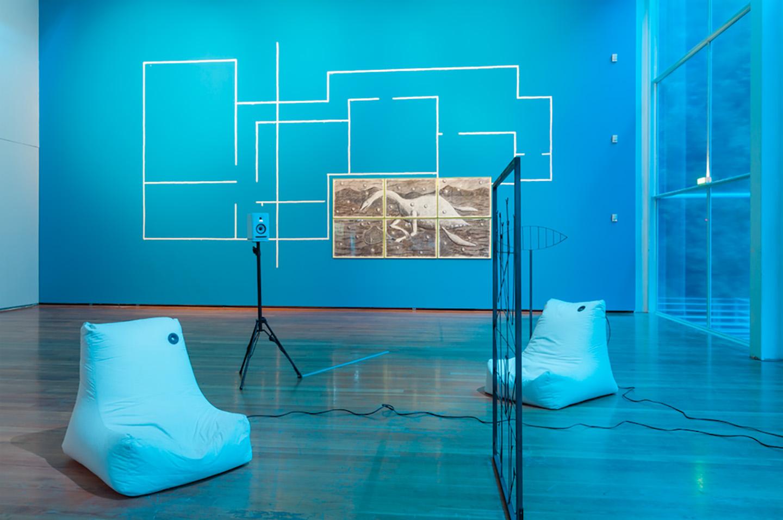 10000 Years Later Between Venus And Mars At Galeria Municipal Do  # Muebles Santa Rua