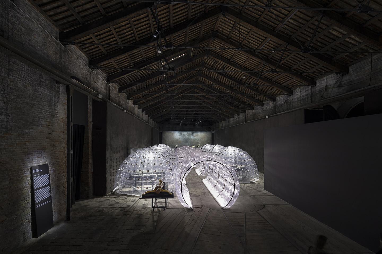 Il mondo magico at italian pavilion venice biennale for Apertura biennale arte 2017