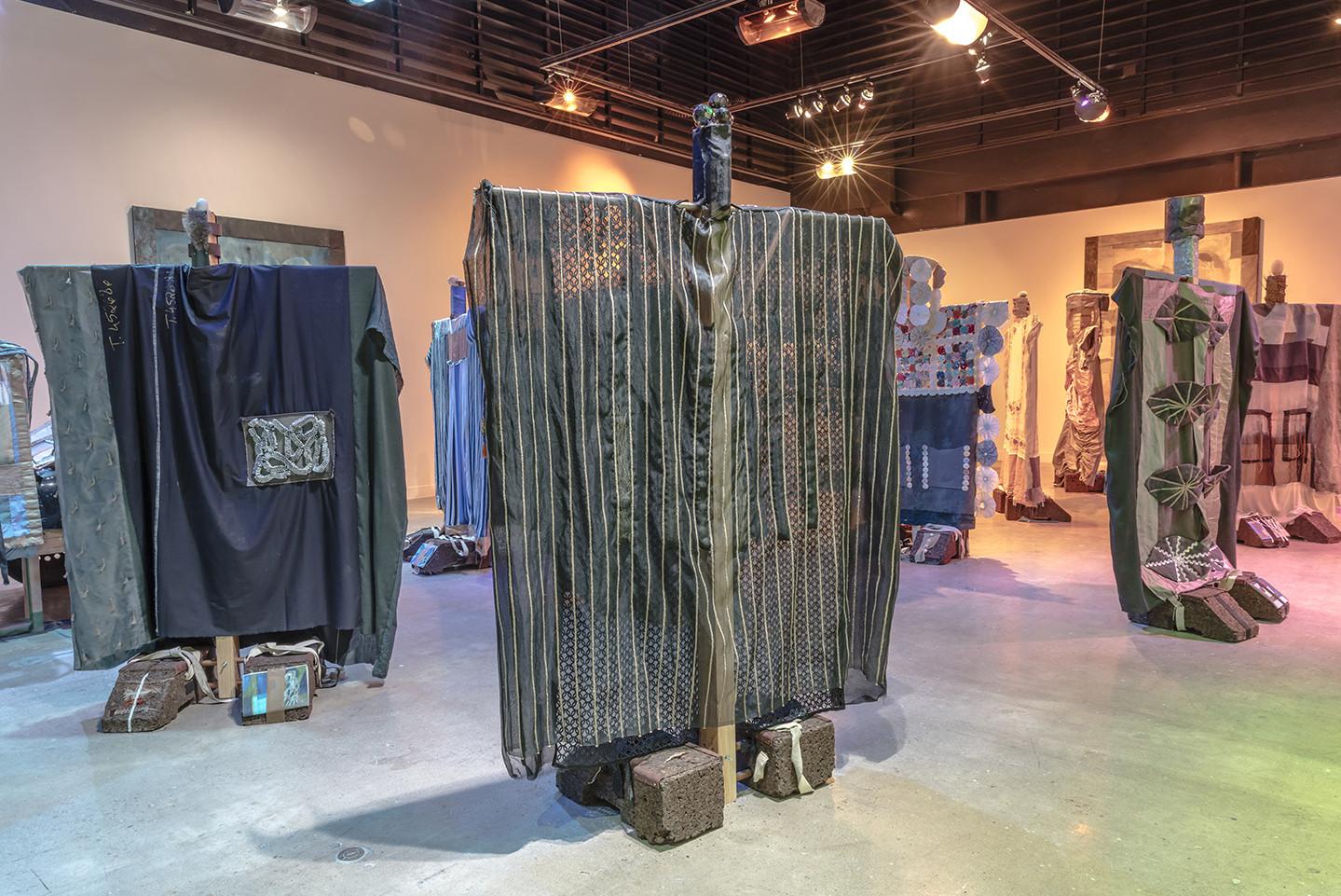 Tamara Henderson Seasons End Out Of Body At Oakville Galleries  # Muebles Henderson