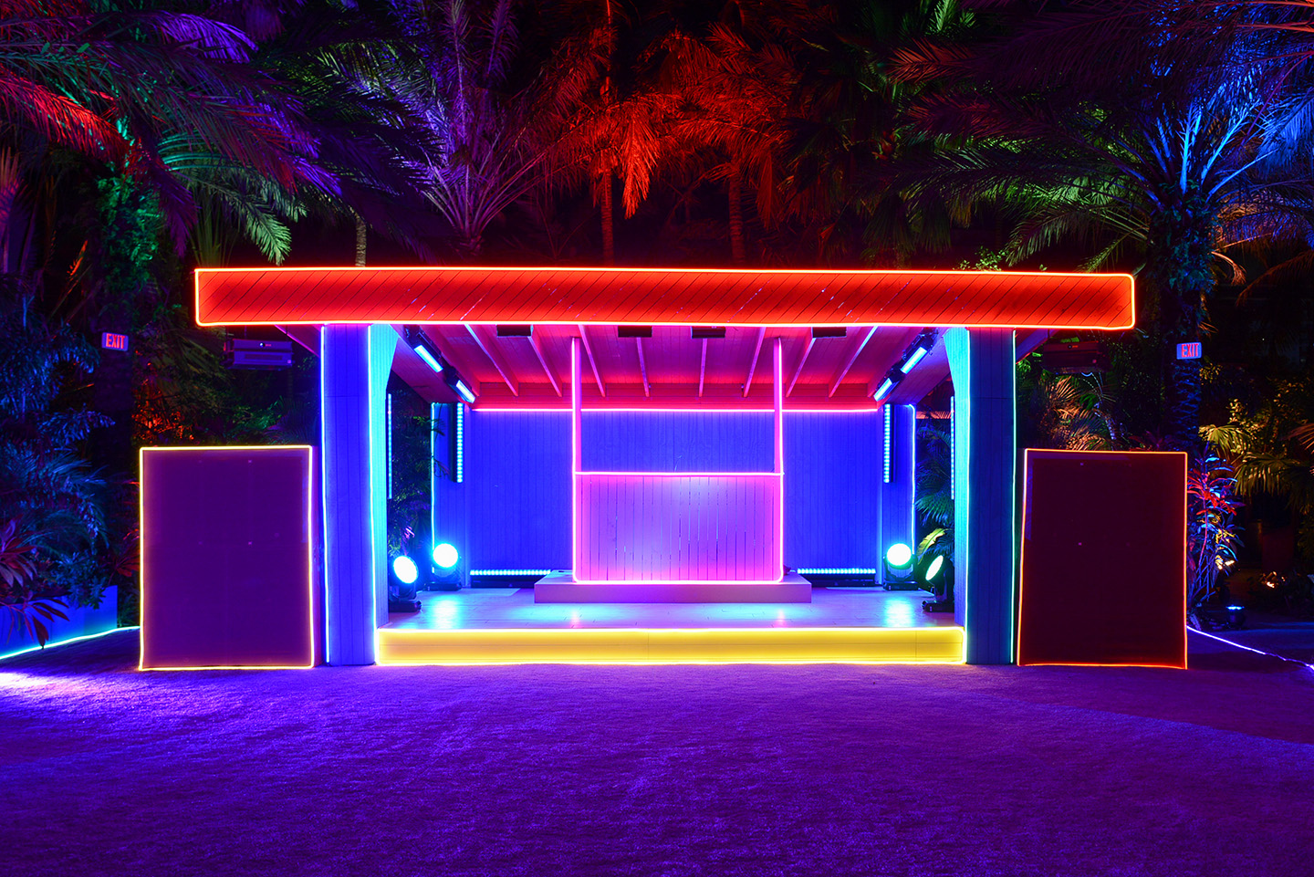 Carsten H Ller The Prada Double Club Miami Presented By  # Muebles City Club